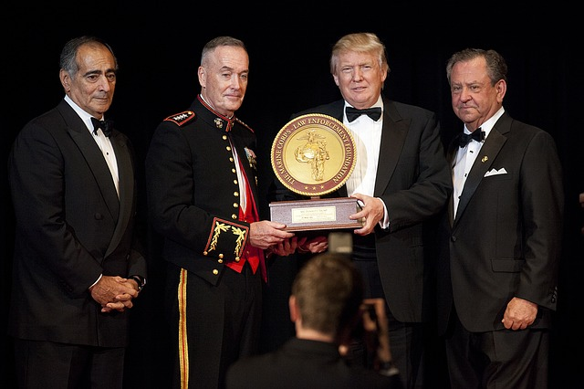 donald-trump-award